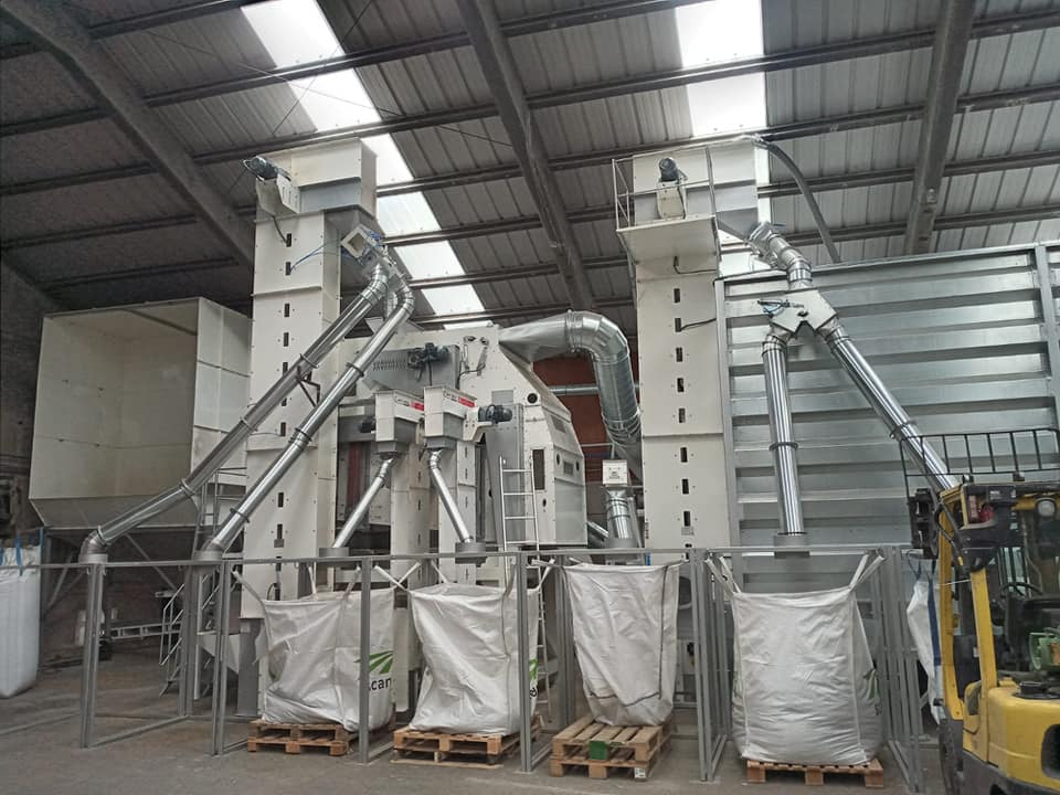 AKYUREK TECHNOLOGY has successfully completed the establishment of a pulses and grain processing plant to the country's important dry food company in BELGIUM.